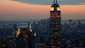empire-state-building-iluminacion-rojo-blanco-y-azul-puesta-sol-ss1