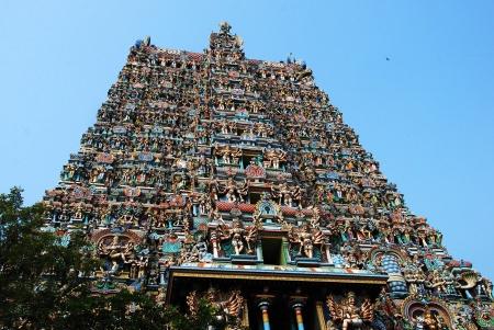 meenakshi temple madurai exterior 01
