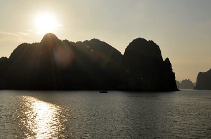 atardece en halong bay vietnam DSC_2770 s