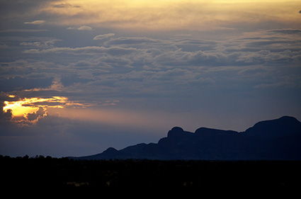 australian-sunset-last-ray-over-the-olgas-dsc_4055-o-c-s