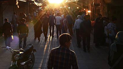 daily-life-in-iran-last-rays-out-of-vakil-bazaar-kerman-dsc_3221-copia-1024-s