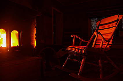 rocking chair around the fireplace laponia suecia DSC_7376 o 1024 s